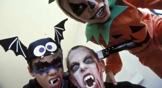 A los niños les encanta disfrazarse en Halloween
