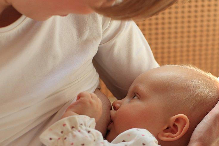 La lactancia materna es un derecho.