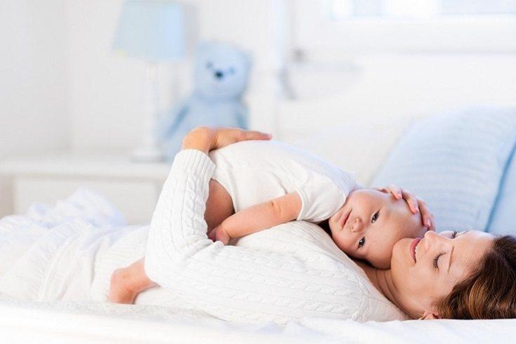 Una nueva madre también puede experimentar problemas emocionales derivados de la cesárea
