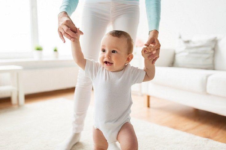 El tacto es imprescindible para el desarrollo intelectual y motor de un bebé