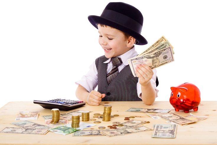 El simple hecho de regalar a tu hijo una hucha le enseñará la importancia de ahorrar