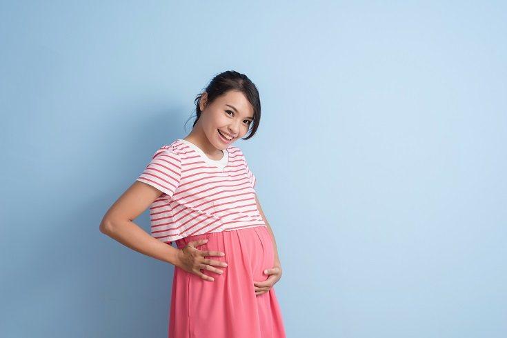 Normalmente se esperan regalos para los bebés, pero nade piensa en la madre embarazada