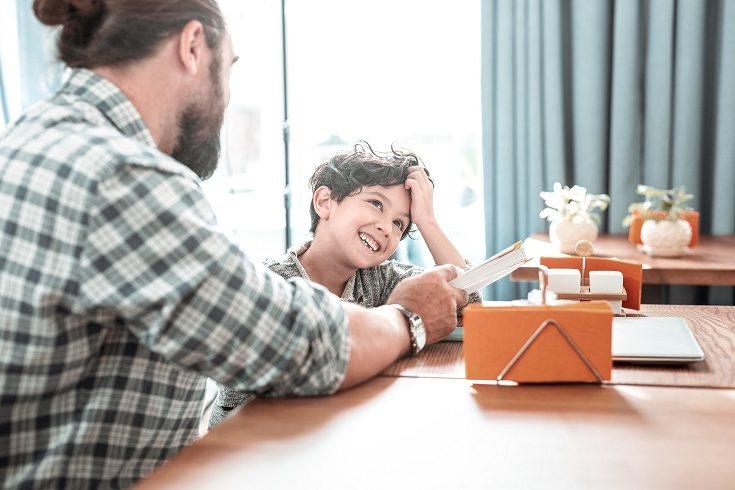 Si tu hijo pequeño te quiere comentar algo, podrás disfrutar de una conversación adecuada con él