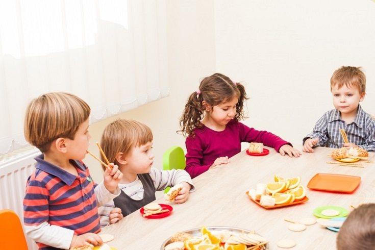 La hora de la cena es uno de los momentos críticos para muchos padres