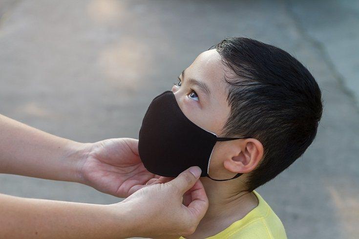 Los niños de 6 años a partir de hoy están obligados a llevar puesta la mascarilla