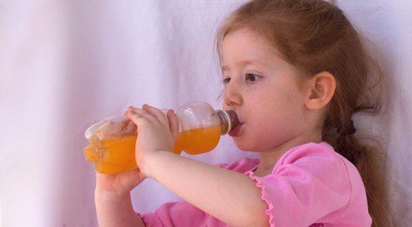 Hay que reponer el agua y las sales minerales que se han perdido debido a la diarrea