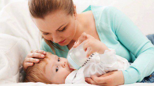 Puedes ofrecer a tu hijo sustitutos del pecho