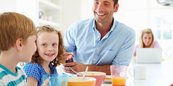 Es importante enseñarles desde pequeños qué pueden comer y qué no