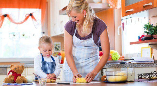 Pasa tiempo con tus hijos cocinando postres para Halloween