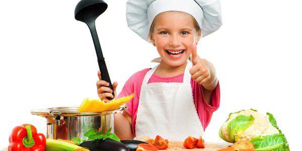 Hacer partícipes a los niños de la cocina es una buena idea