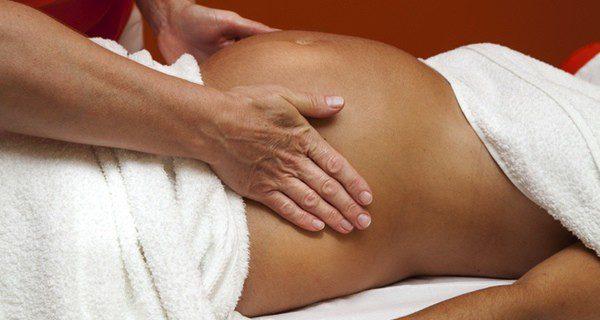 El masaje prenatal alivia los dolores a las embarazadas