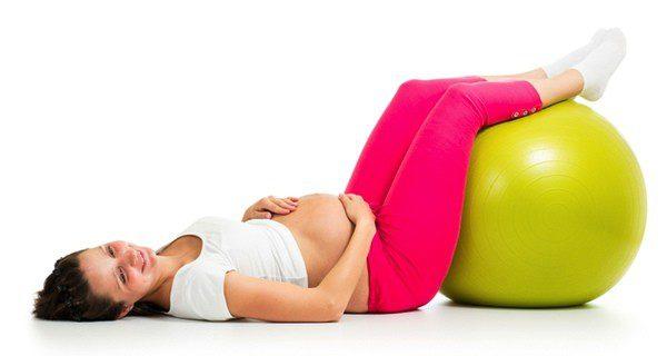 El yoga es una actividad muy beneficiosa para las embarazadas