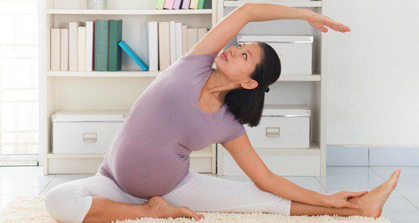 El yoga alivia los dolores de la parte baja de la espalda