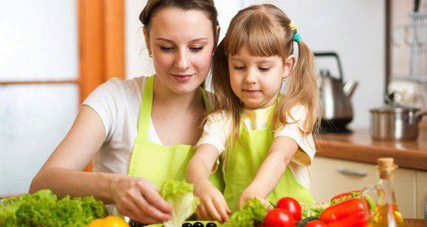 Nunca dejes solos a los niños en la cocina