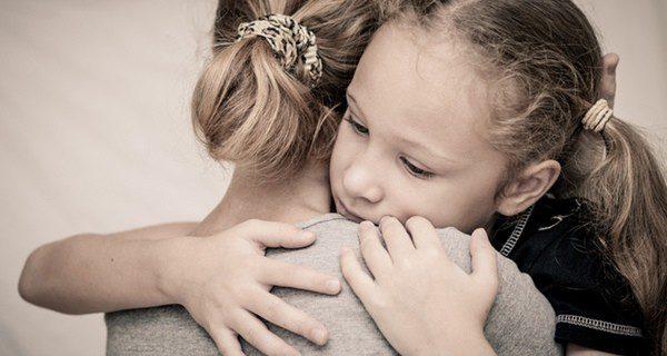 El cariño, la protección y el valorar cualidades es básico para el estima