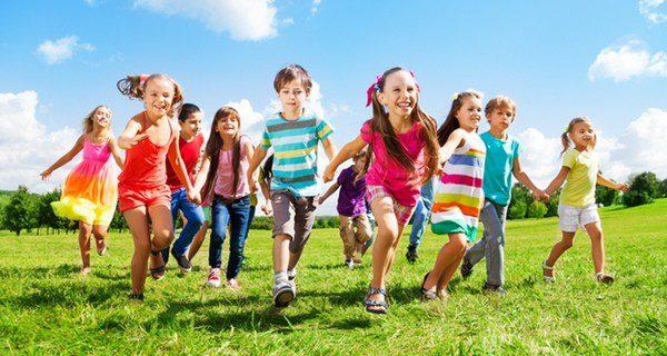 No hay que confundir a niños hiperactivos con niños inquietos que no paran quietos