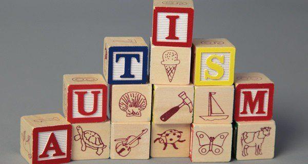 Los niños autistas aprenden mediante juegos