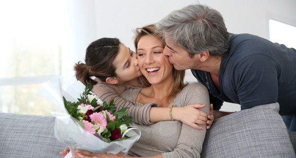 El niño y su padastro pueden hacerse ver el uno al otro que tienen un ser querido en común