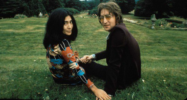 La madre de John Lennon falleció cuando él tenía 17 años
