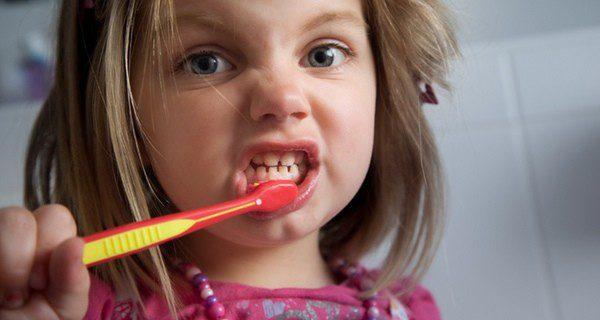 Una mala higiene bucal tendrá consecuencias en el futuro