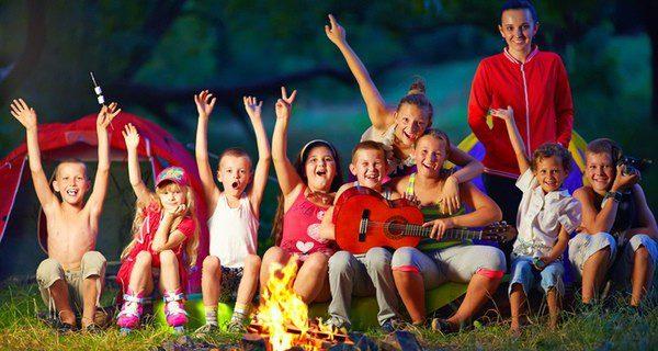 ¿Quieres que tus hijos disfruten en un campamento de verano?