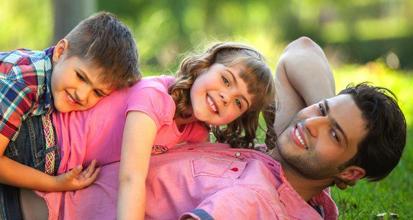 ¿Cuáles son las ventajas y desventajas de tener dos hijos con edades similares?
