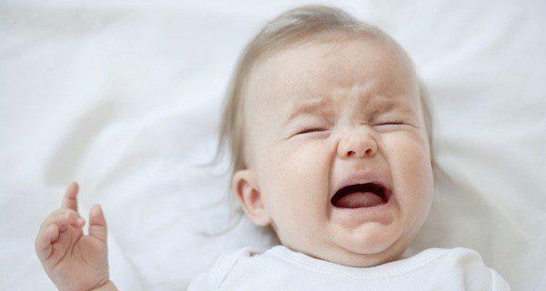 Los bebés que tienen problemas de gases lloran con fuerza durante horas