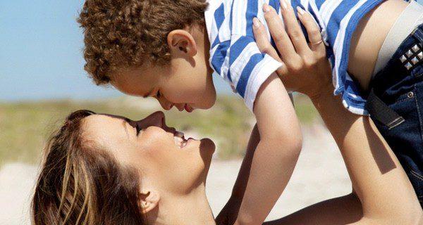 Adoptar un hijo es un cambio de 'carácter permanente'