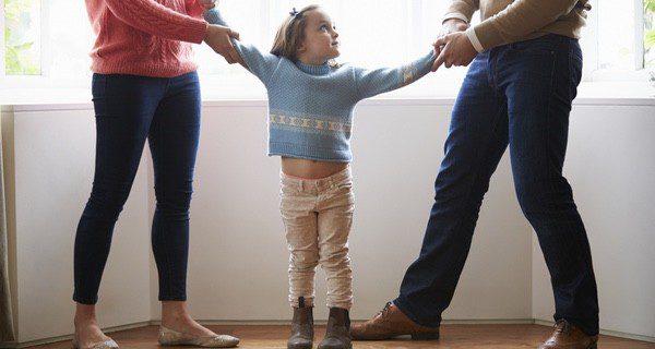 Si te divorcias y tienes hijos hay que buscar que los niños sufran lo menos posible