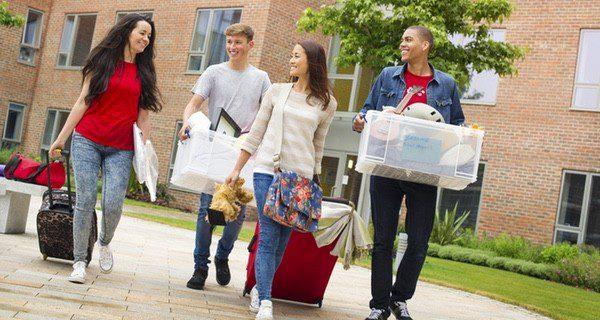 Alquila una habitación en un piso compartido o quédate en una residencia de estudiantes