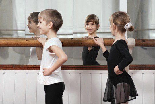 El ballet es un deporte que realizan tanto niños como niñas
