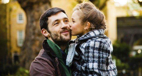 Los hijos pueden ser felices igual solamente con el padre soltero