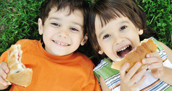 Como almuerzo en el recreo se recomienda un bocadillo de pan normal o de molde