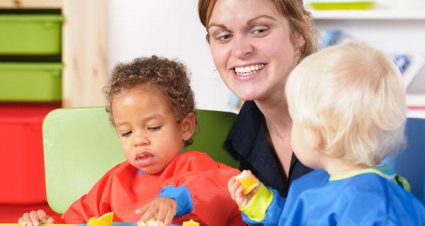 Es importante conocer las actividades que realizan y también las comidas que puedan dar a nuestro hijo