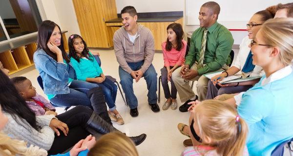 Las reuniones grupales refuerzan también nuestro contacto con los padres de otros alumnos