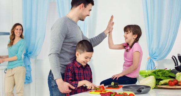Inculcar hábitos saludables a nuestros hijos les ayudará durante toda la vida