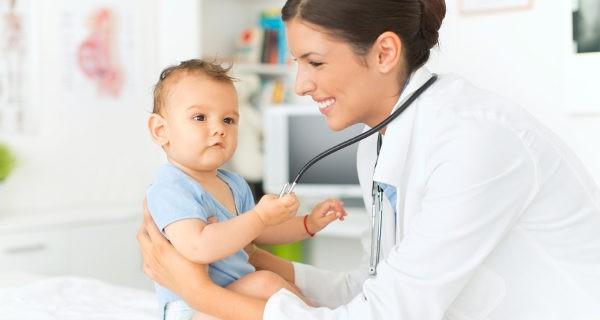 Llevaremos al niño al médico para que lo exploren, pero suelen ser episodios inofensivos