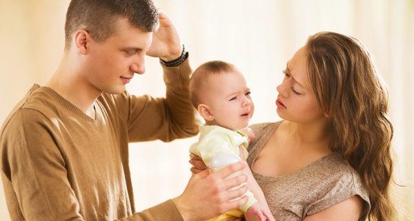 Nunca debemos dejar llorar al niños, tenemos que atenderle y cogerle en brazos