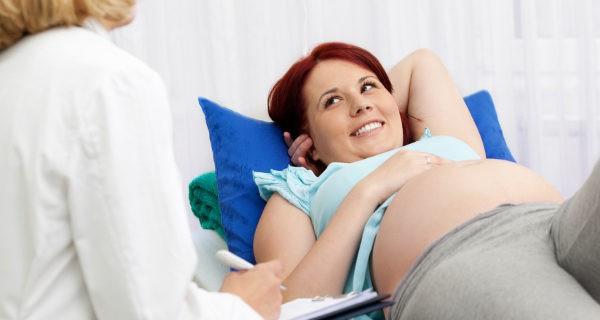 El riesgo depende de la fase de embarazo, en el último está contraindicado