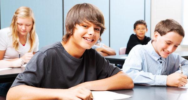 Los niños tardan un poco más que las niñas en alcanzar la pubertad