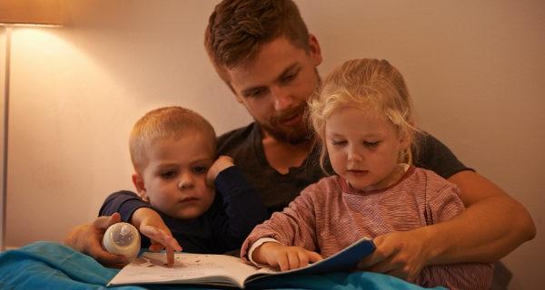 Los cuentos divierten a los niños y les enseñan valores con sus moralejas