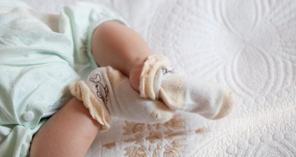 Lo más importante es que los bebés lleven los pies y la tripa tapaditos
