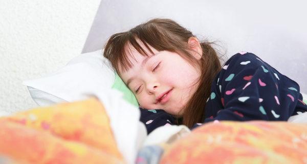 Dormir reduce la irritabilidad en niños, y ayuda a mejorar el aprendizaje