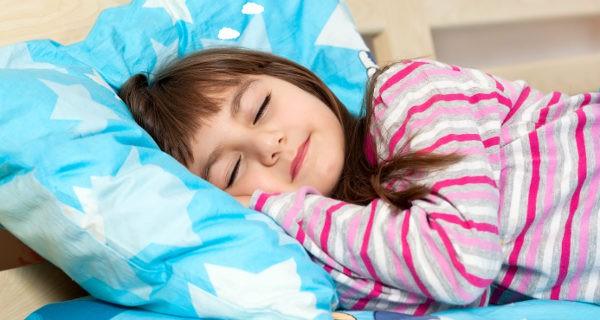 No debemos obligarles a dormir la siesta, pero sí hacer que tengan ganas de hacerlo