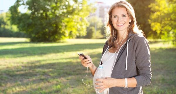 Mujer embarazada haciendo ejercicio