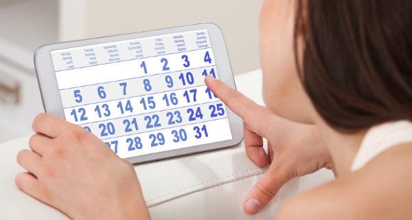 Mujer y calendario