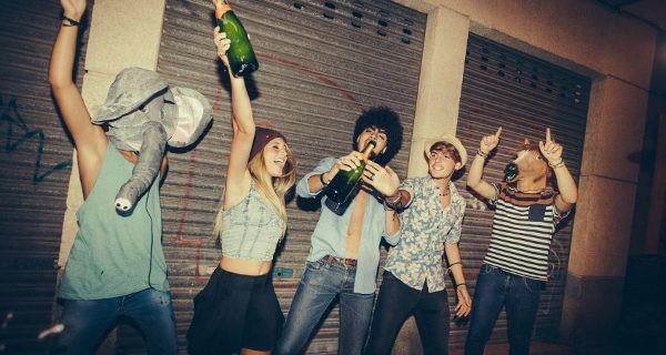 Adolescentes de fiesta