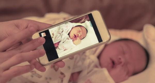 Haciendo foto al bebé