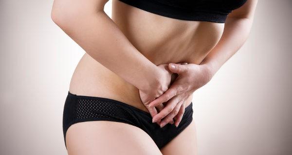 dolor abdominal mujer