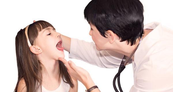 faringitis aguda sintomas en bebes